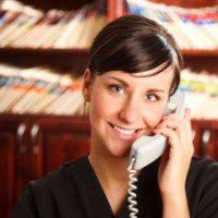 Hablar por teléfono en inglés: frases, fórmulas y consejos útiles para llamar y recibir llamadas sin...
