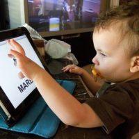 Inglese per bambini: aiutare i vostri bambini ad imparare l'inglese o altre lingue con le nuove tecn...