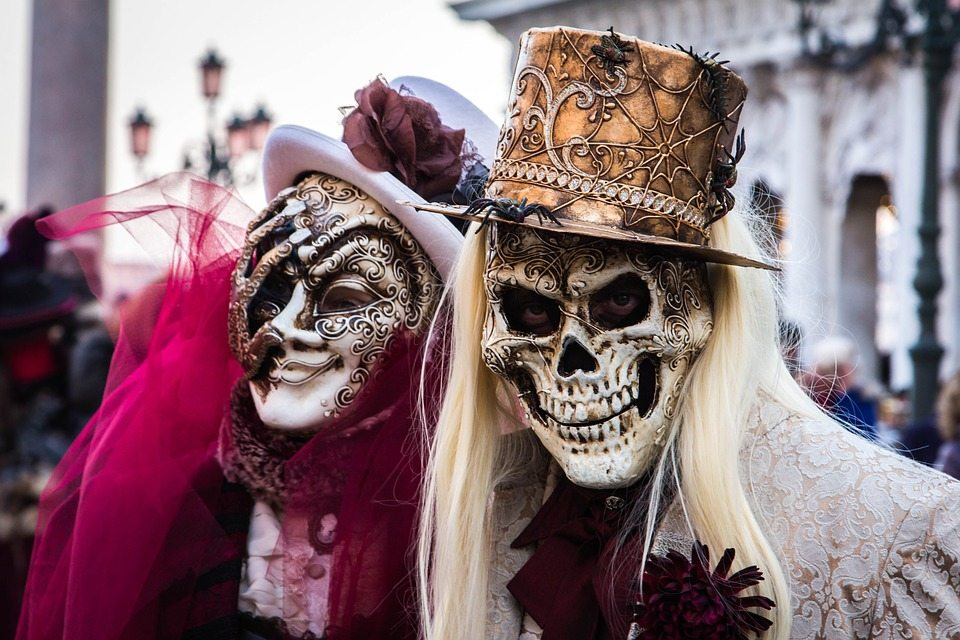 Learn all about the Venice Carnival ... to quickly progress in Italian