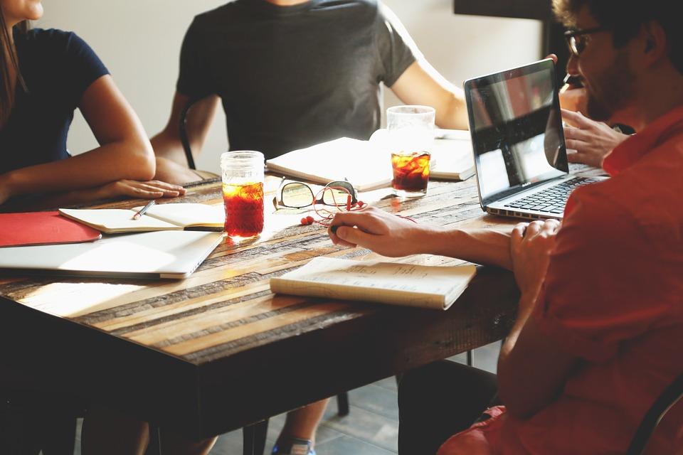 Evoluer dans une entreprise internationale, apprendre l'anglais des affaires